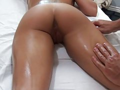 Sexy Capri Cavali gets ass touched during massage