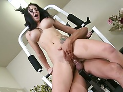 Big tits Jayden Jaymes sits on cock at the gym