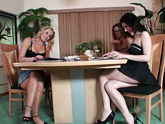 Milfs gather around in a group session